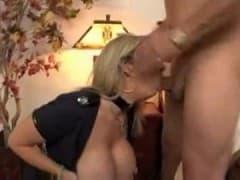 Une mature blonde et ses gros nibards - XXX - MESVIP