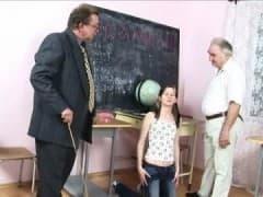 Plan à trois en salle de classe! - Vídeo X - MESVIP