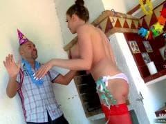 C'est la fête - Porno Tube Vídeo XXX - MESVIP