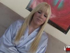 Heidi Mayne, une blonde délicieuse - Porn Tube - MESVIP