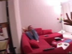 Elle invite une copine  - Tube Porn - MESVIP
