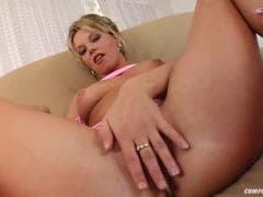 Belle blonde et ses mecs - Vídeo X - MESVIP