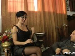 Asia Morante est une psy - Tube Porn - MESVIP