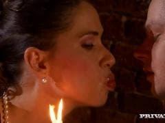 Peper adore les dîners romantiques - Sexe - MESVIP