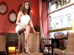 Veronika Fasterova a des jambes de rêve - Porno - MESVIP