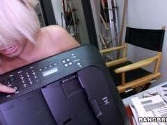 Bridgette B est dans une salle de sport - Sex TUBE - MESVIP