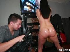 Sheila Marie et son copain se filment  - Tube - MESVIP