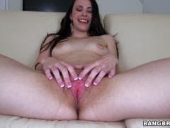 Veronica Radke a une belle chatte - Vídeo Sex - MESVIP