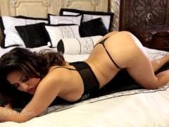 Sunny Leone a une nouvelle lingerie - HD Vídeo - MESVIP