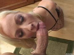 Adrianna Nicole est si sensuelle - Sex Tube - MESVIP