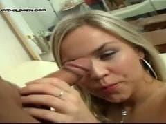 Une blonde avec son doc - Sex Gratuit - MESVIP