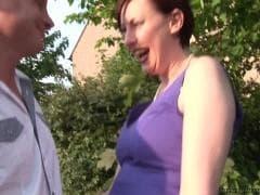 Une femme brune délicieuse - Tube Porn - MESVIP
